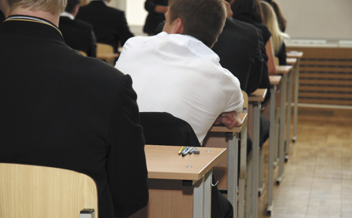 Dėl brandos egzaminų apsispręsti skubos tvarka