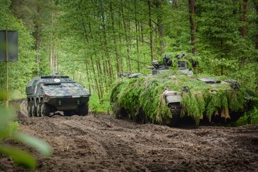 """Pratybų """"Geležinis Vilkas"""" metu apie tūkstantis karinės technikos vienetų  judės per Lietuvą"""