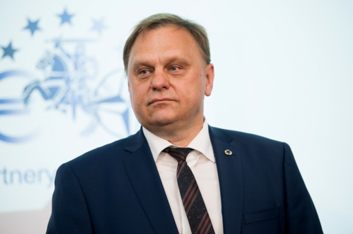 Dėl į Latviją nutekėjusių dešimčių milijonų Estija svarsto akcizų alkoholiui mažinimą
