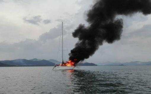 Tai bent atostogos: Tailande į turistų laivą trenkė žaibas (vaizdo įrašas)