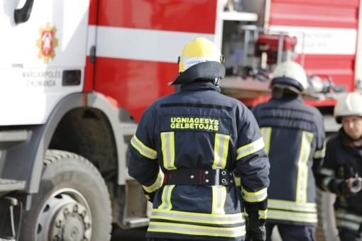 Didžiųjų Zariškių kaime ugnis sunaikino namą