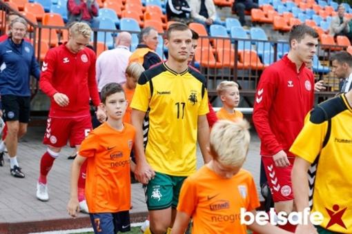 Lietuvos futbolo rinktinėje - pasikeitimas saugų grandyje