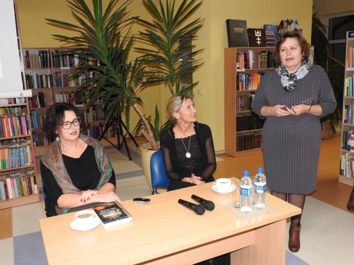 Įdomus susitikimas Ignalinos bibliotekoje - dvi draugės rašytojos ir jų knygos