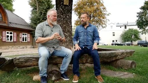Panevėžyje apsilankę V. Radzevičius ir M. Starkus išbandė ir aktoriaus profesiją