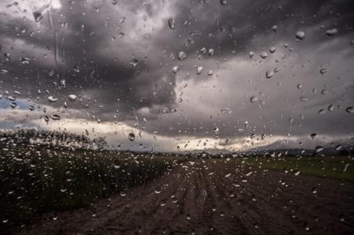Naktį daug kur numatomi nedideli krituliai