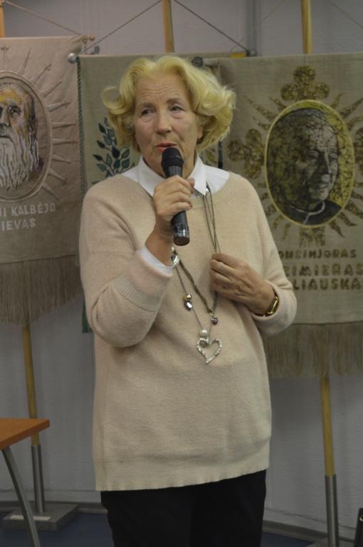 Panevėžio miesto bibliotekoje svečiavosi poetė Dalia Teišerskytė