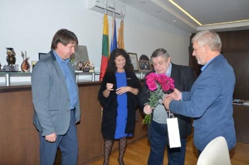 Pasveikintas Akmenės rajono garbės pilietis