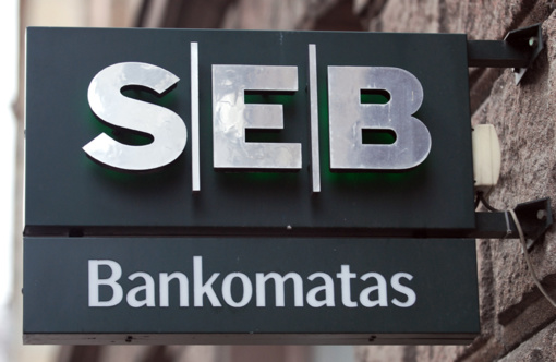 SEB banko klientai pinigų nemokamai galės pasiimti iš viso pasaulio bankomatų