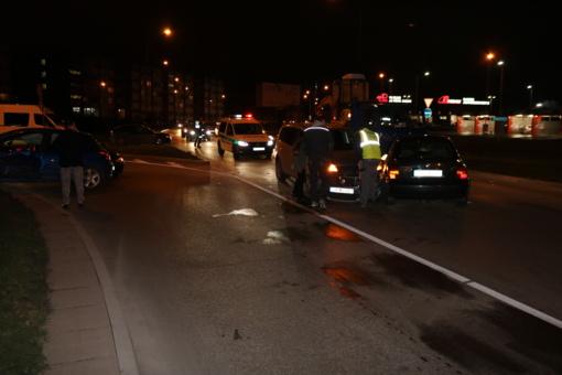 Šiaulių centre - masinė avarija, paralyžuotas eismas (vaizdo medžiaga)