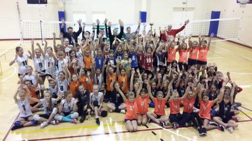 Tarptautinis mergaičių tinklinio turnyras pažymėtas auksinėmis pergalėmis
