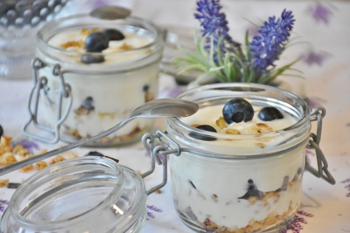 Virtuvės žvaigždė – graikiškas jogurtas. Kodėl toks populiarus? (4 puikūs receptai)