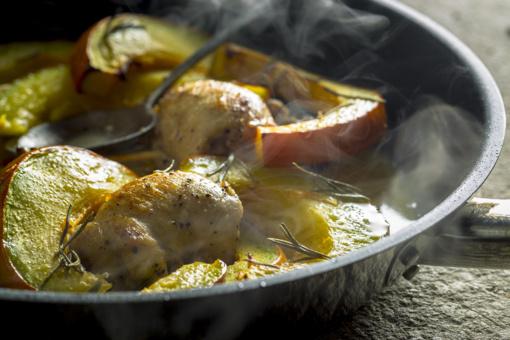Savaitgalio pietums - vištienos suktinukai su moliūgu ir prancūziškas desertas su vyšniomis