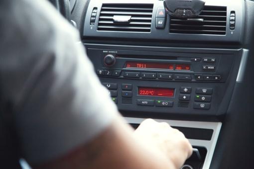 Simptomai gali apgauti: kaip peršalimo ligos veikia vairavimo gebėjimus?