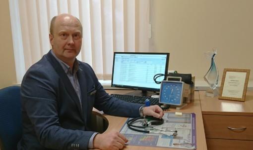 Šeimos gydytojas: pacientai ligas linkę diagnozuoti interneto pagalba