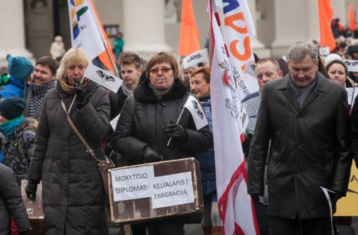 LPSK jungiasi prie protesto akcijos ir reikalauja nedelsiant pradėti derybas