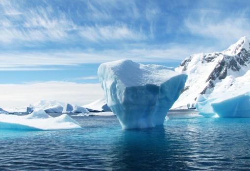 Keistenybės Antarktidoje: kažkas radioaktyvaus iš apačios tirpdo ledą