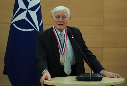 Laisvės medaliu apdovanotas V. Adamkus prisiminė jo gyvenimą nulėmusį sukrėtimą