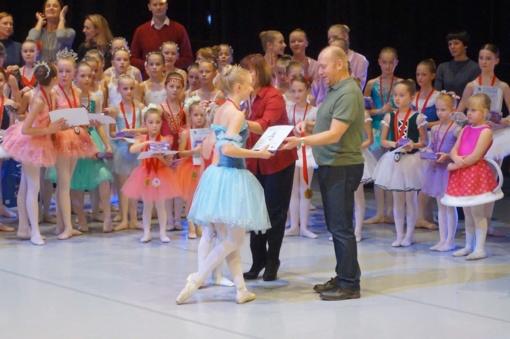 """Plungės kultūros centro Eglės baleto studija puikiai pasirodė konkurse """"Allegro"""""""