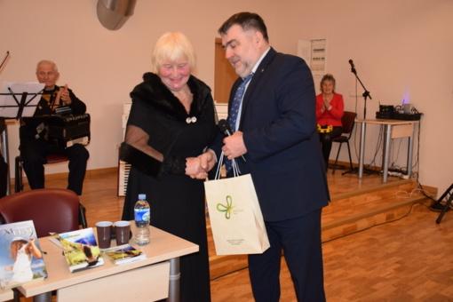 Lazdijietė Birutė Gadišauskienė pristatė trečiąją knygą