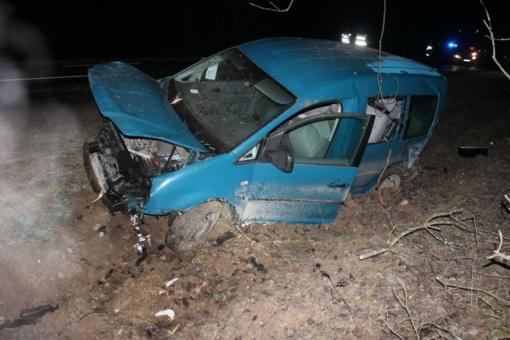 Telšių rajone nuo kelio nuvažiavus automobiliui žuvo vairuotojas