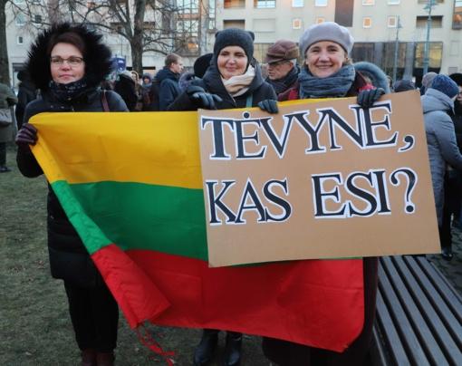 Netikėtos tendencijos partijų reitinguose: mokytojų streiku pasinaudodami politikai skaldo visuomenę