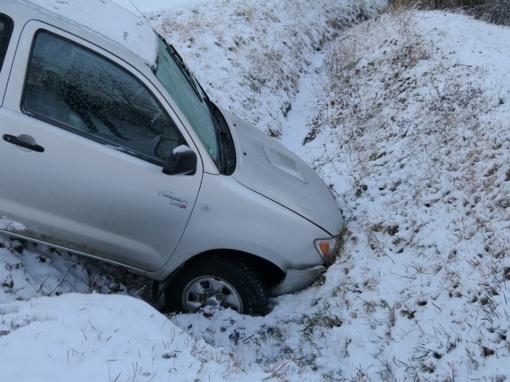 Šalčininkų rajone neblaivaus vairuotojo kelionė baigėsi pakelės griovyje