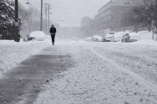 Kaip vaikščioti kai slidu ir kaip teisingai kristi jeigu paslydote?