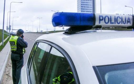 Pareigūnai tikrino, kaip Kauno keliuose vairuotojai laikosi Kelių eismo taisyklių