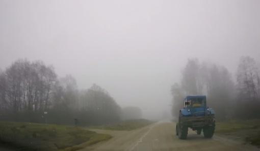 Prie vairo alų gėrusiam traktoriaus vairuotojui teks atsisveikinti su teise vairuoti
