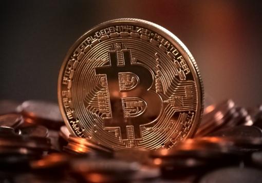 Analitikai: kriptovaliutų vertė krito 14 procentų
