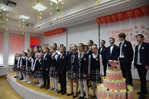 """Šalčininkų """"Santarvės"""" gimnazija atšventė 35 metų jubiliejų"""