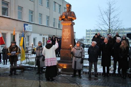 Atidengtas paminklas Žygimantui Augustui