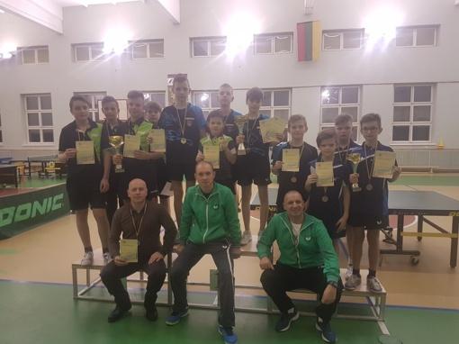 Jaunųjų stalo tenisininkų komandinės pergalės