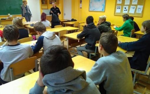 Moksleiviams – apie saugų elgesį ir saugų eismą
