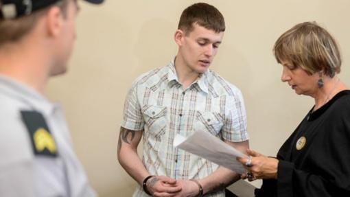 Paauglę išprievartavusiam ir bagažinėje sudeginusiam Dembavos budeliui Lietuva turės atlyginti padarytą žalą