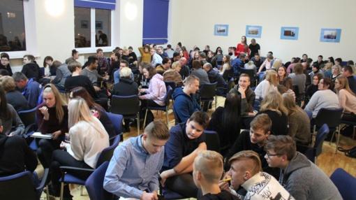 """Stasio Šalkauskio gimnazijoje – jubiliejinis protmūšis """"80 klausimų"""""""