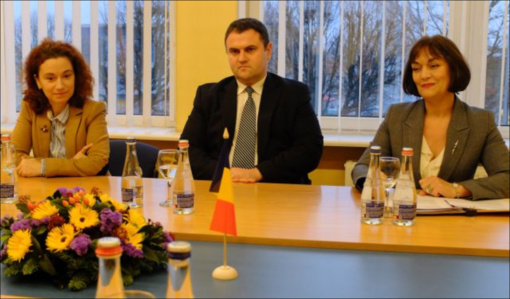 Kėdainiuose viešėjęs Rumunijos ambasadorius lankėsi savivaldybėje ir Šviesiojoje gimnazijoje