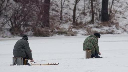 Ugniagesiai gelbėjo į ledą įlūžusius žmones