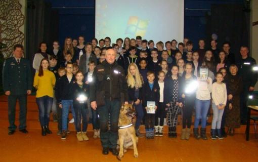 """Druskininkų policijos komisariato pareigūnai tęsia prevencinį projektą """"Mokykla be smurto ir patyčių"""""""