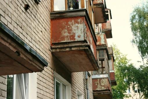 Kraupi nelaimė Vilniuje: pareigūnams atvykus į namus, vyras iššoko pro langą