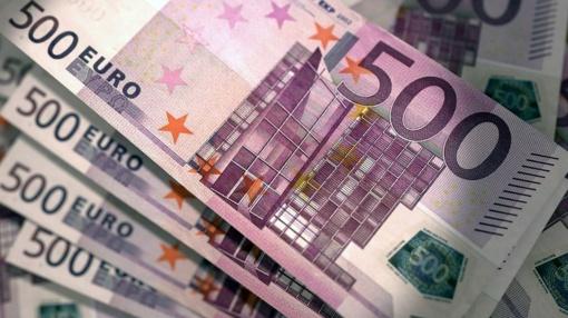 Bankomate aptikti padirbti pinigai