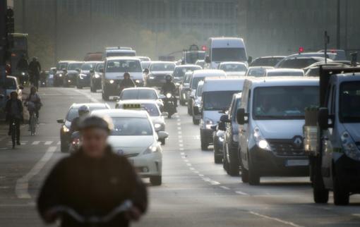 Tik laiko klausimas: valdžia jau paruošė automobilių taršos mokestį