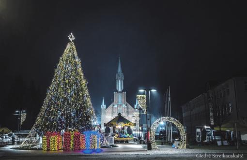 Kaišiadoriečiai pasitiko savo Kalėdų eglę