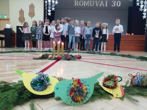 Kalėdų laukimas sukvietė į jaukų vakarą Šiaulių Romuvos progimnazijos priešmokyklinio ugdymo grupių bendruomenę