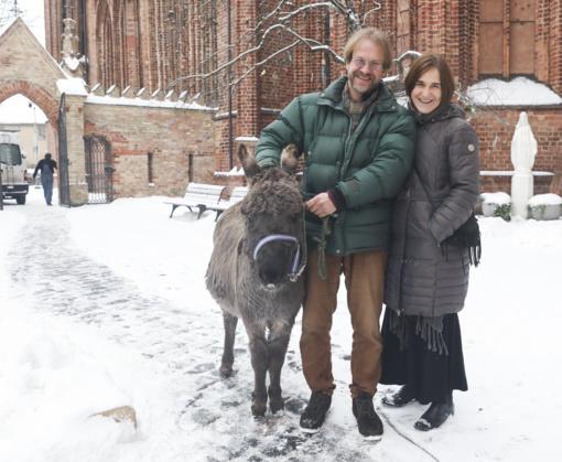 Asiliukas Valentinas ir avytės Bernardinuose gyvens iki Trijų Karalių