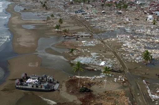 Pasklidus gandams apie naują cunamį Indonezijos miestelį apėmė panika