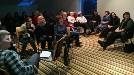 Šiaulių Dainų progimnazijos mokytojos seminare Palangoje