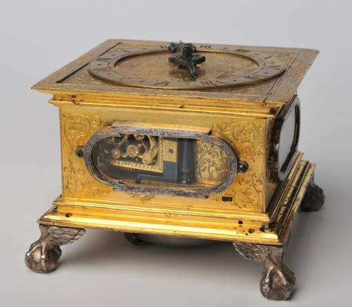 Išeivijos lietuvis Valdovų rūmams padovanojo  unikalų XVII a. I p. Vilniuje sukurtą stalinį laikrodį