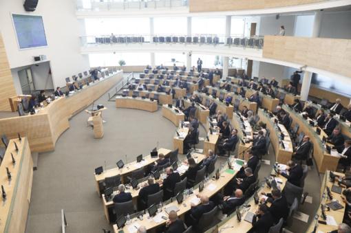 Vyriausybė – už leidimą dalyvauti Seimo rinkimuose nuo 21-erių