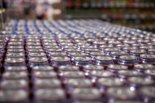 Pernai lietuviai alkoholio pirko mažiau, į aukštumas šoko bealkoholinių gėrimų paklausa